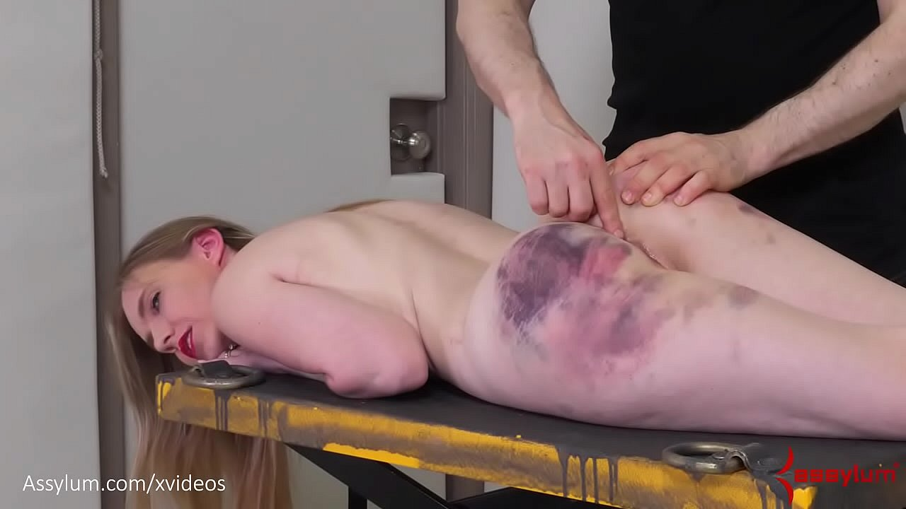 Assylum Porn Videos bandaged blond gets anally reamed and fed piss - xnxx