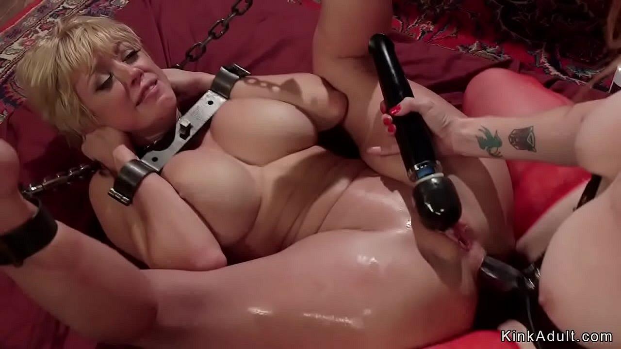Big Tit Lesbian Bathtub
