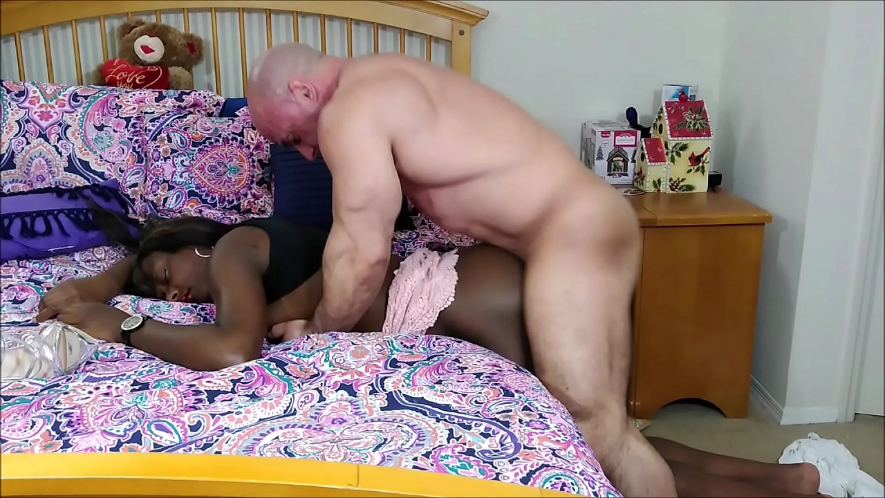 Ebony Studs Eating Pussy