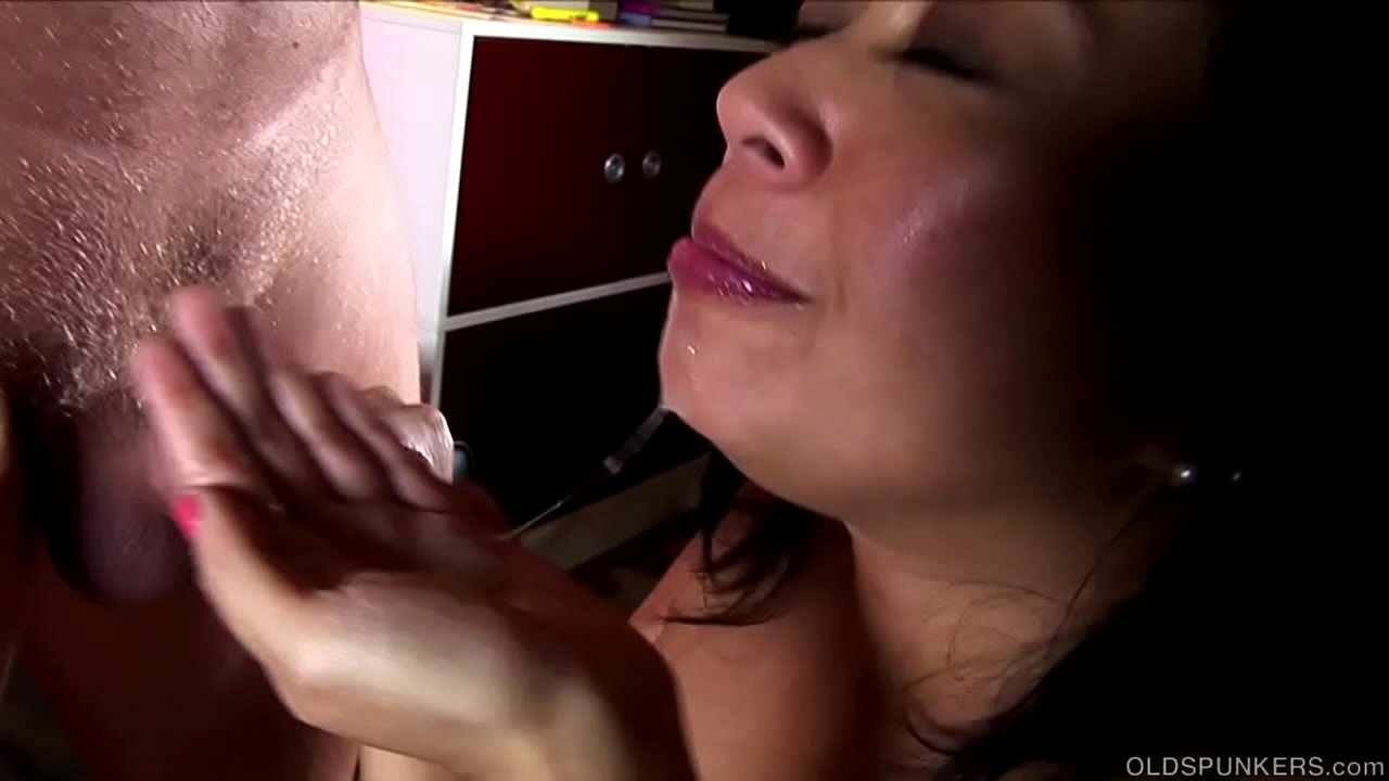 Wife Gives Double Blowjob