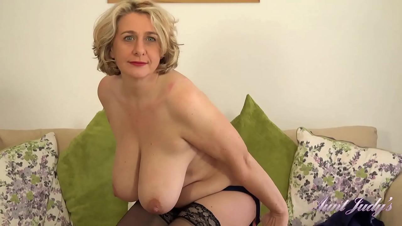 Big Tit Short Hair Milf