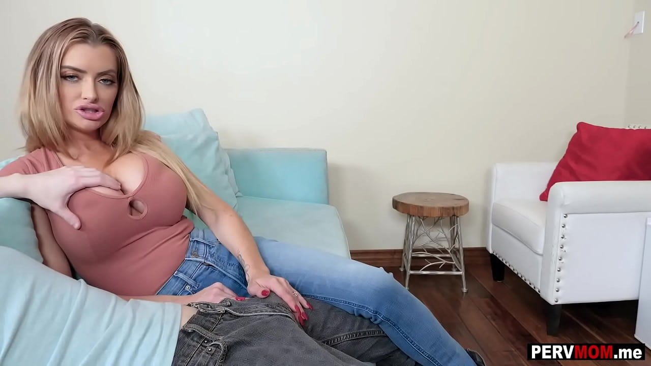 Sharing Creampie Step Mom