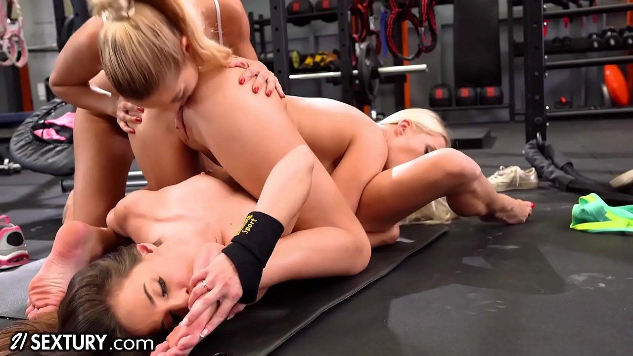 Lesbian Licking Pussy Fast