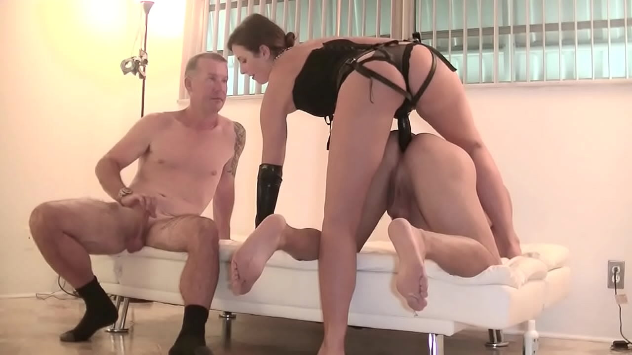 Amateur Wife Strapon Pegging