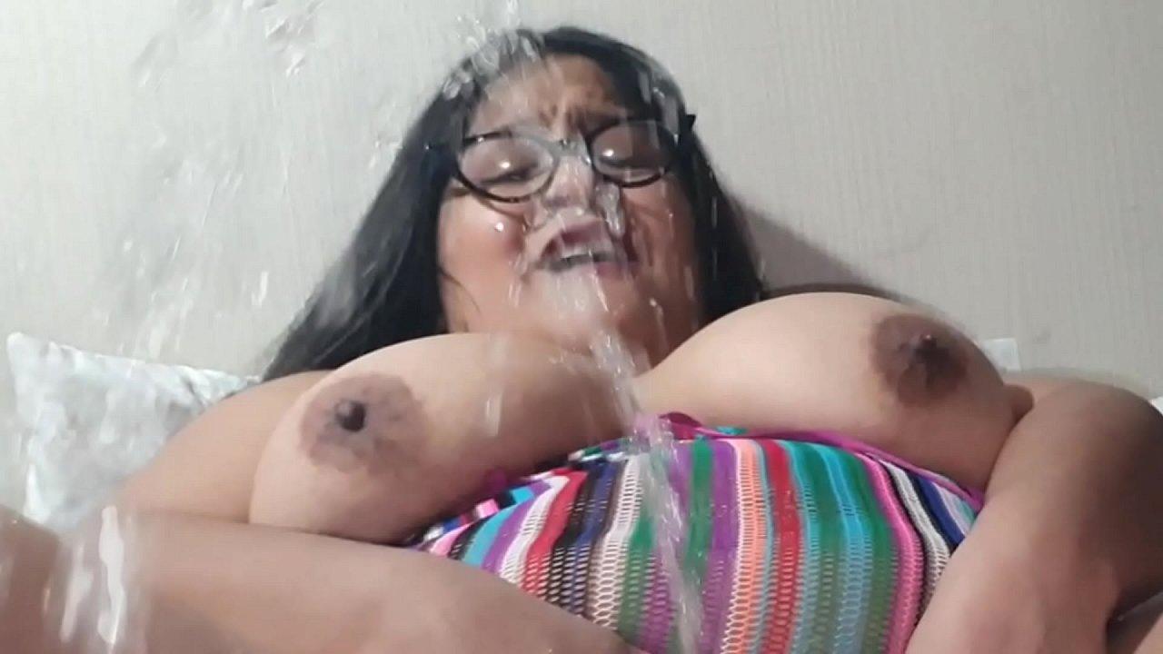 Ebony Bbw Squirting Orgasm