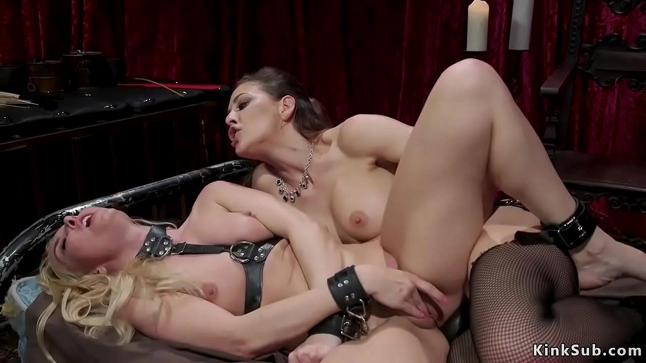 Lesbian Anal Dildo Orgasm
