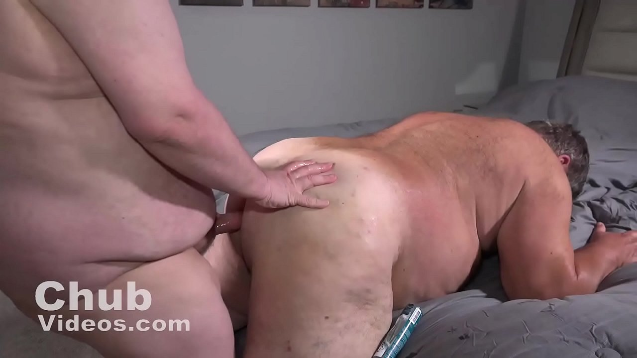 Bareback Chub And Chaser Gay Porn a hairy fat daddy gets fucked - xnxx