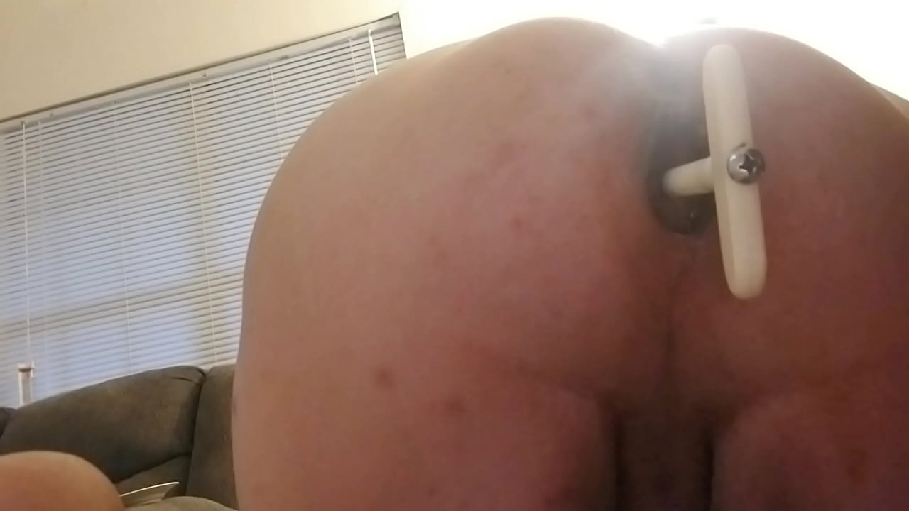 Orgasm Pushes Out Butt Plug