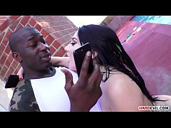 Black guy makes Mandy Muse squirt and fucked her big round butt