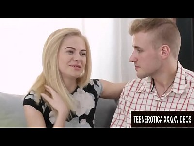 Блондинки трахаются, порно с русской блондинкой Алиной и ее молодым бойфрендом