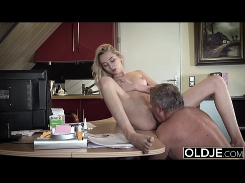 Girl has sex wit step dad