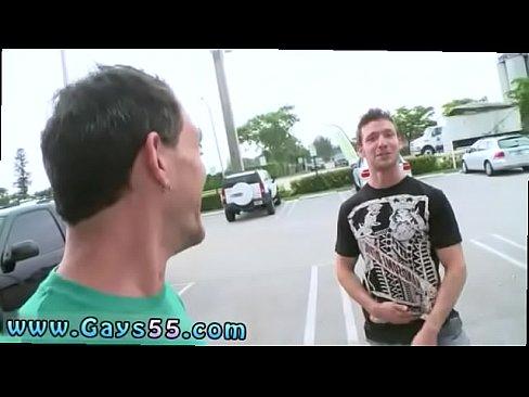 dívky sledující lesbické porno