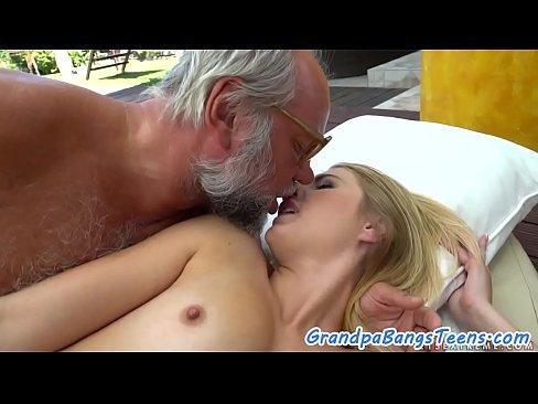 Amateur Ladyboy Fucks Guy
