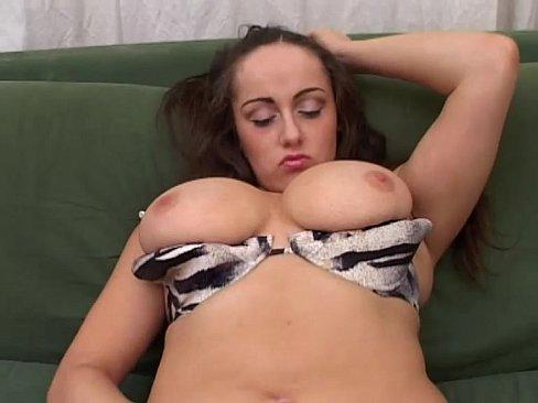 amateur jerk off on tits