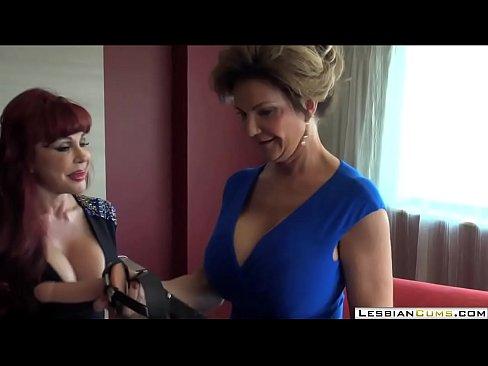 Big Boobs Lesbian Amateur