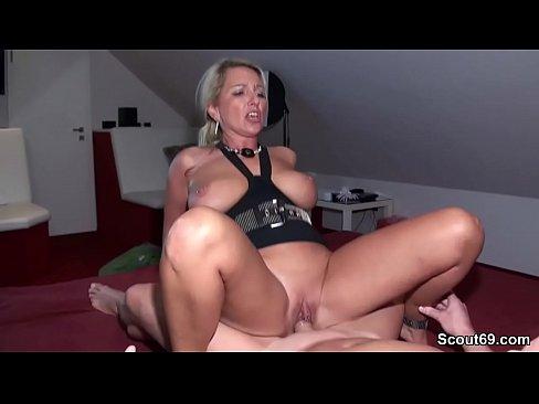 amateur wife seduces the fucks