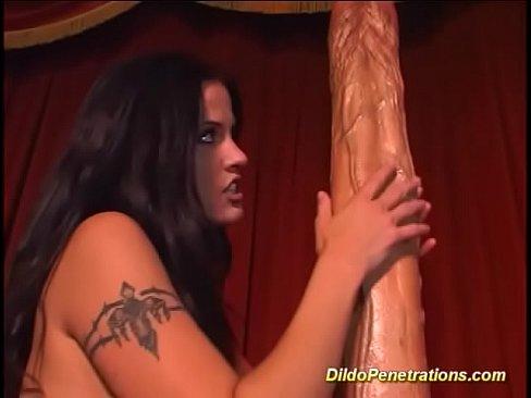 Monster Dildo Deep Pussy