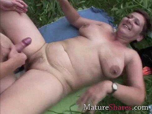 She made him lick her ass
