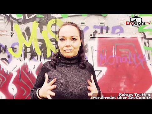 Deutsche notgeile dicke Mutter abgeschleppt in Berlin beim EroCom Date und im Park gefickt
