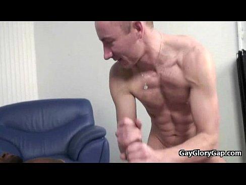 gay cocksucking porno velký tlustý německý kohout