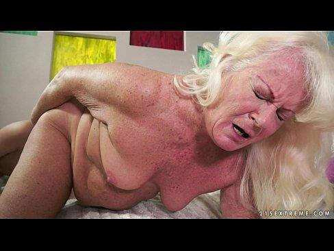 wife sucking porn