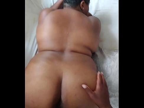 sucking black pussy