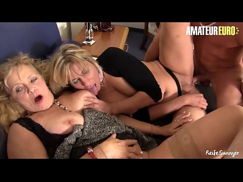 AMATEUR EURO - Wild Foursome Sex With Deutsche Swingers &lpar