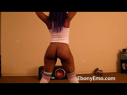 Naked Twerk Slow Motion
