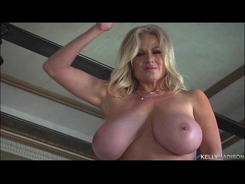 Average mature mom nude