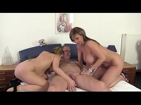 2 Horny German Matures Enjoy The Same Cock Together Xnxx Com