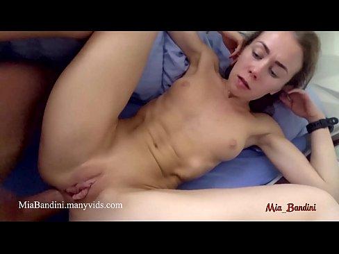 amateur girl orgasms during creampie