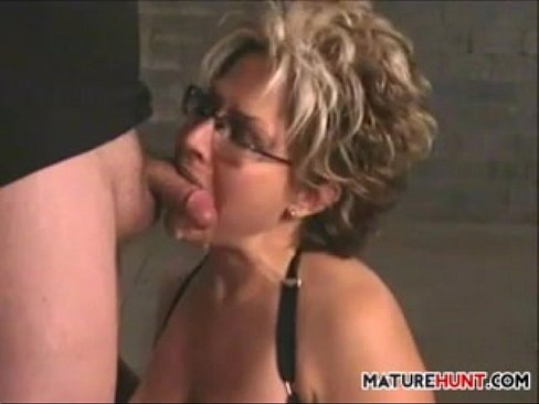 Mature Slut Sucking Cock For A Facial Xnxx Com