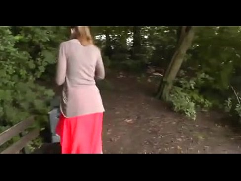 Me llevo a mi hija al bosque para follar porno Sexo En El Bosque Xnxx Com