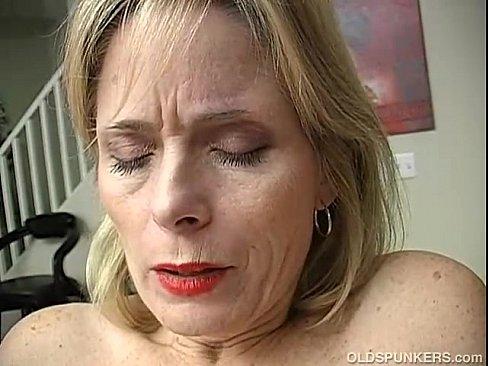 Mature Amatuer Orgasm