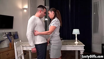 LOVELY Boss Mariana is a very generous FUCKING her stud